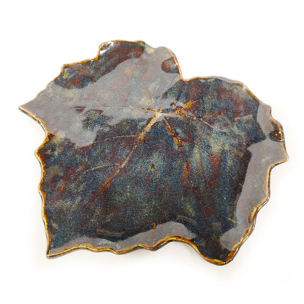 Leaves-plates (A) Plum